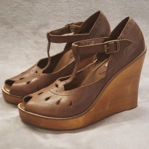 Steve Madden brown and wood wedged high heel